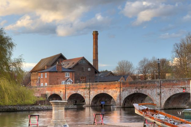 driving-in-the-cotswolds-stratford-upon-avon