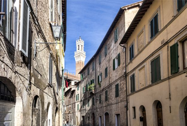 Siena Streets - Well known for Language Schools